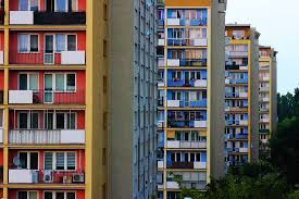 Регионы России с самым дешевеющим жильем